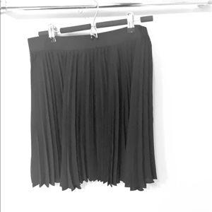 Babaton pleated skirt size L